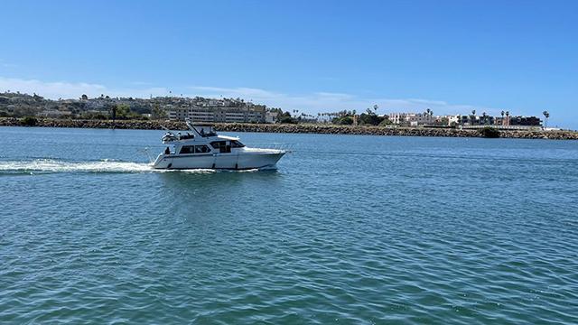 Los-Angeles-Yacht-Charter_0000_50-navigator-31