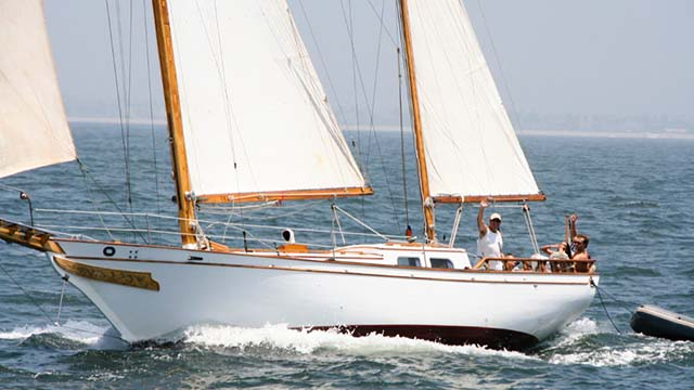 Los Angeles Yacht Charter_0006_ Classic 46 sailing yacht