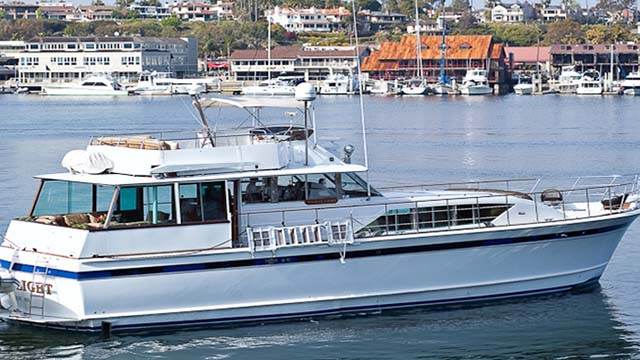 Los-Angeles-Yacht-Charter_0057_64 Foot Luxury Yacht with jacuzzi