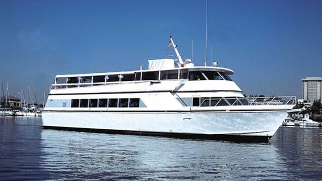passenger-boat-200 people-losangelesyachtcharter