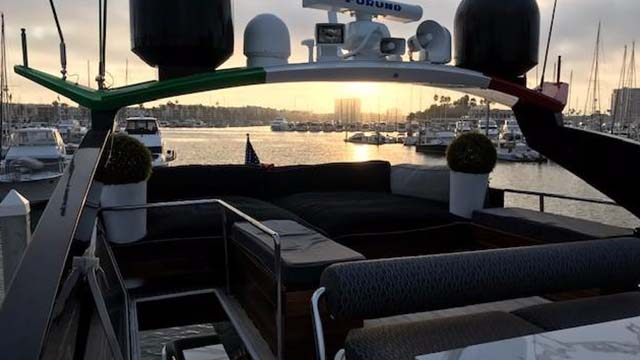 Los Angeles Yacht Charter_0000_92ft mega yacht