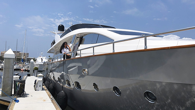 Los-Angeles-Yacht-Charter_0028_92ft-mega-yacht