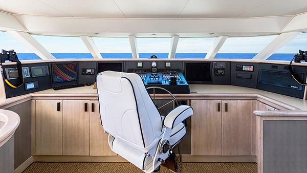 Los Angeles Yacht Charter_0000_106ft. Mega Yacht