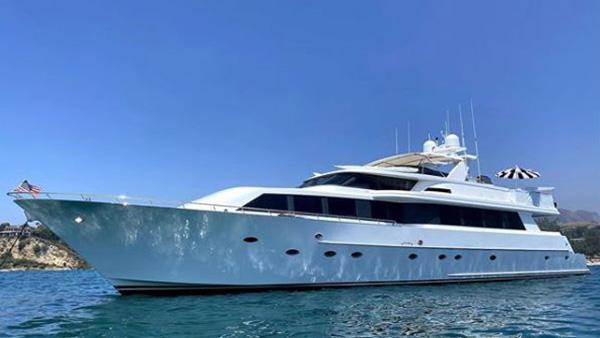 Los Angeles Yacht Charter_0002_106ft. Mega Yacht