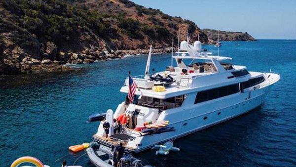 Los Angeles Yacht Charter_0008_106ft. Mega Yacht